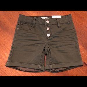 NEW Mudd Olive Green Midi Shorts - Size 8